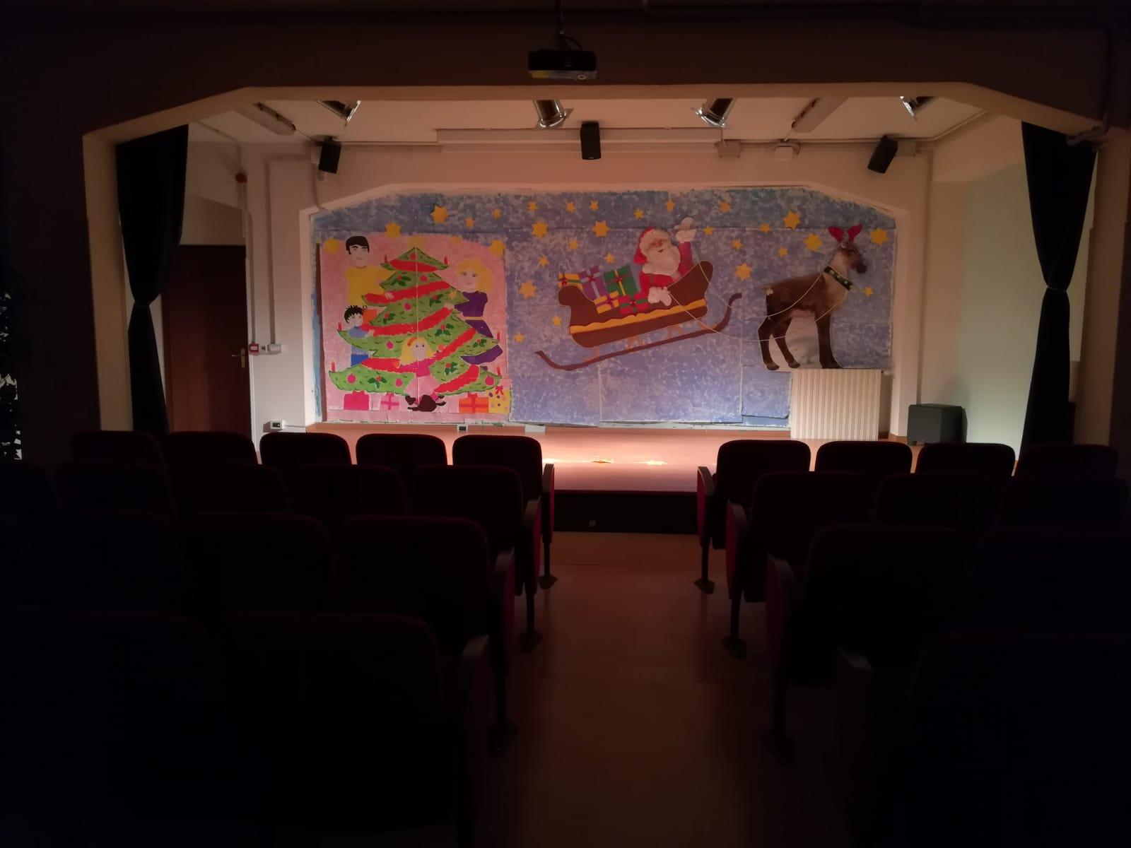 Foto casetta Fantasia, foto raffigurante il cineforum