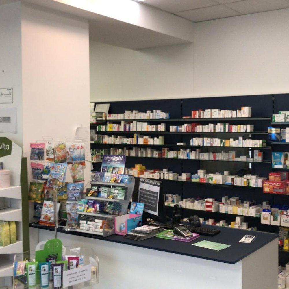 Foto della farmacia santanza dall'interno